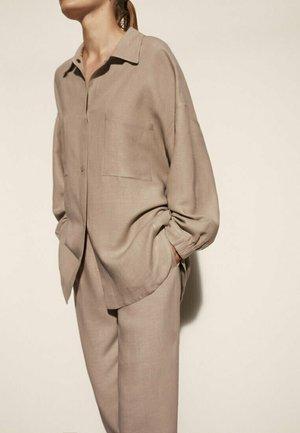 MIT AUFGENÄHTEN TASCHEN 06006706 - Button-down blouse - beige
