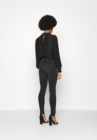 ONLY - ONLPAOLA LIFE  - Jeans Skinny Fit - dark grey denim - 2