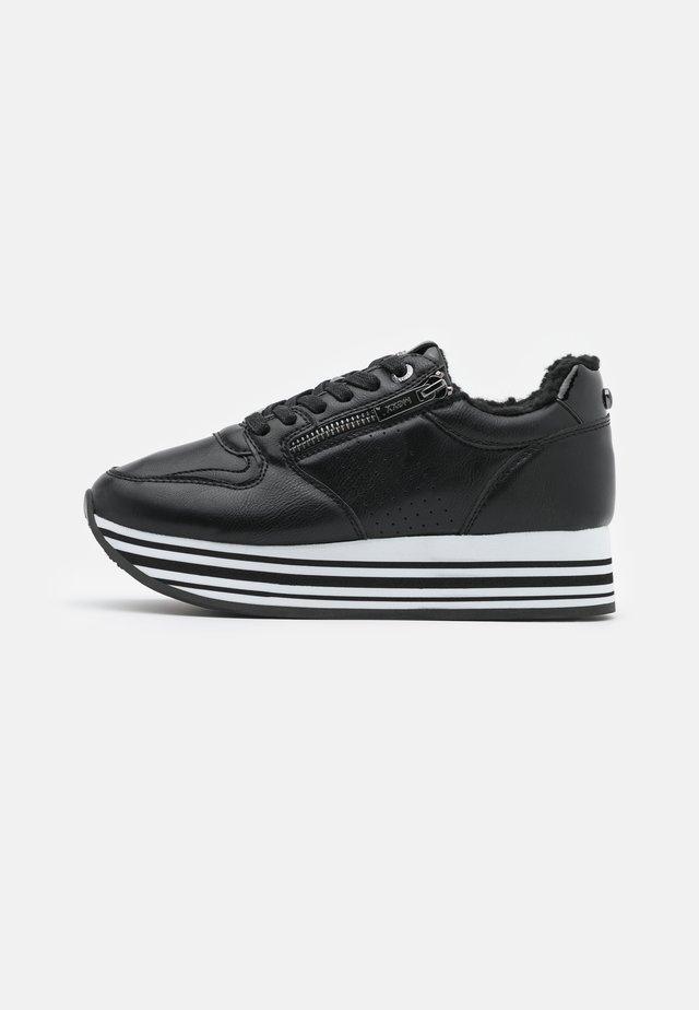 FABIOLLA - Baskets basses - black
