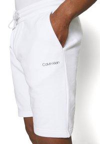 Calvin Klein - SMALL LOGO - Shorts - white - 4