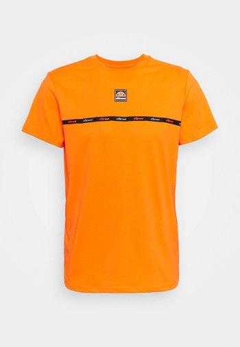 WERO TEE - T-shirt con stampa - orange