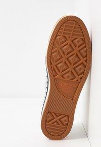 Converse - CHUCK TAYLOR ALL STAR PLATFORM LAYER - Sneakers basse - egret/total orange - 6