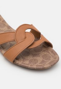 Coach - ESSIE - Mules - natural - 6