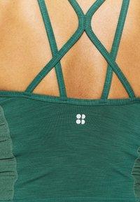 Sweaty Betty - SUPER SCULPT YOGA VEST - Top - june bug green - 5