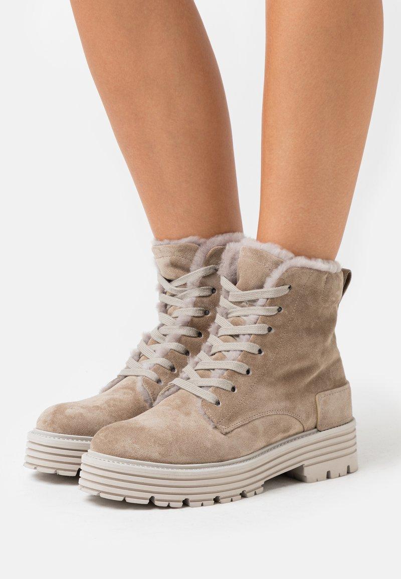 Kennel + Schmenger - ELA - Platform ankle boots - biscuit