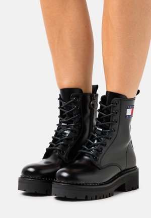 URBAN LACE UP BOOT - Platform ankle boots - black