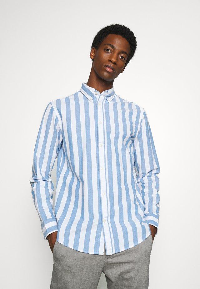 SLHREGWIDE STRIPE - Camisa - light blue