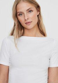 Vero Moda - VMPANDA NOOS - Jednoduché triko - bright white - 3