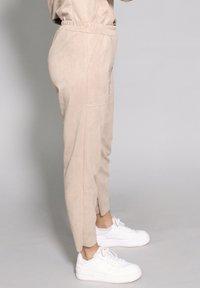 Riquai Clothing - Trousers - beige - 3