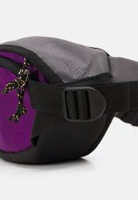 adidas Originals - WAISTBAG S UNISEX - Bum bag - black/glory purple/white - 3
