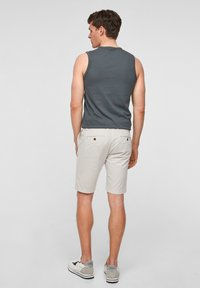 s.Oliver - Shorts - offwhite - 2