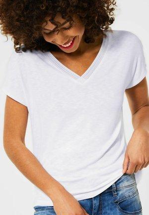 MIT STRICK DETAIL - Basic T-shirt - weiß