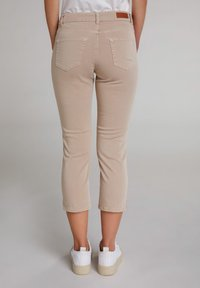 Oui - MIT BREITEM SPORTLICHEM BUND - Trousers - beige - 2
