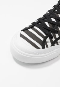New Balance - PROCT - Zapatillas - multicolors - 5