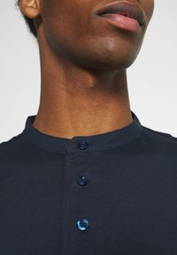 Selected Homme - SLHRELAXVISTA - T-shirt med print - sky captain - 5