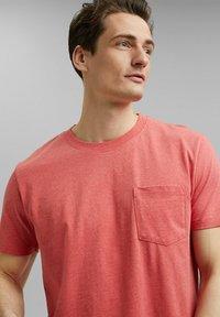 Esprit - SLIM FIT - Basic T-shirt - coral red - 3