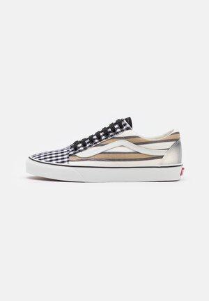 OLD SKOOL UNISEX - Sneakers - blanc de blanc