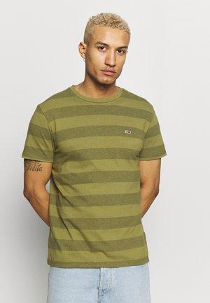 BOLD STRIPE TEE - T-shirts print - uniform olive