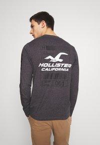 Hollister Co. - COLORBLOCK SPORT LOGO - Bluzka z długim rękawem - black - 2