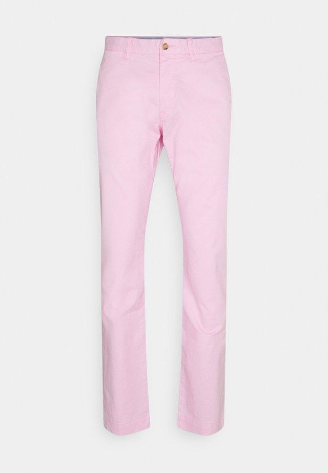 BEDFORD PANT - Pantalones chinos - carmel pink