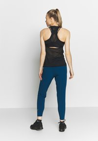 Nike Performance - Pantalones - valerian blue/reflective silver - 2