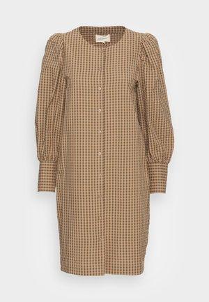 RADA DRESS - Robe chemise - grape leaf