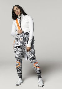 adidas by Stella McCartney - ADIDAS BY STELLA MCCARTNEY TRUEPURPOSE MIDLAYER JACKE - Sports jacket - white - 1