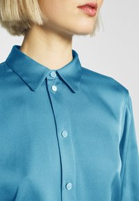 Strenesse - BLOUSE - Button-down blouse - blue - 6