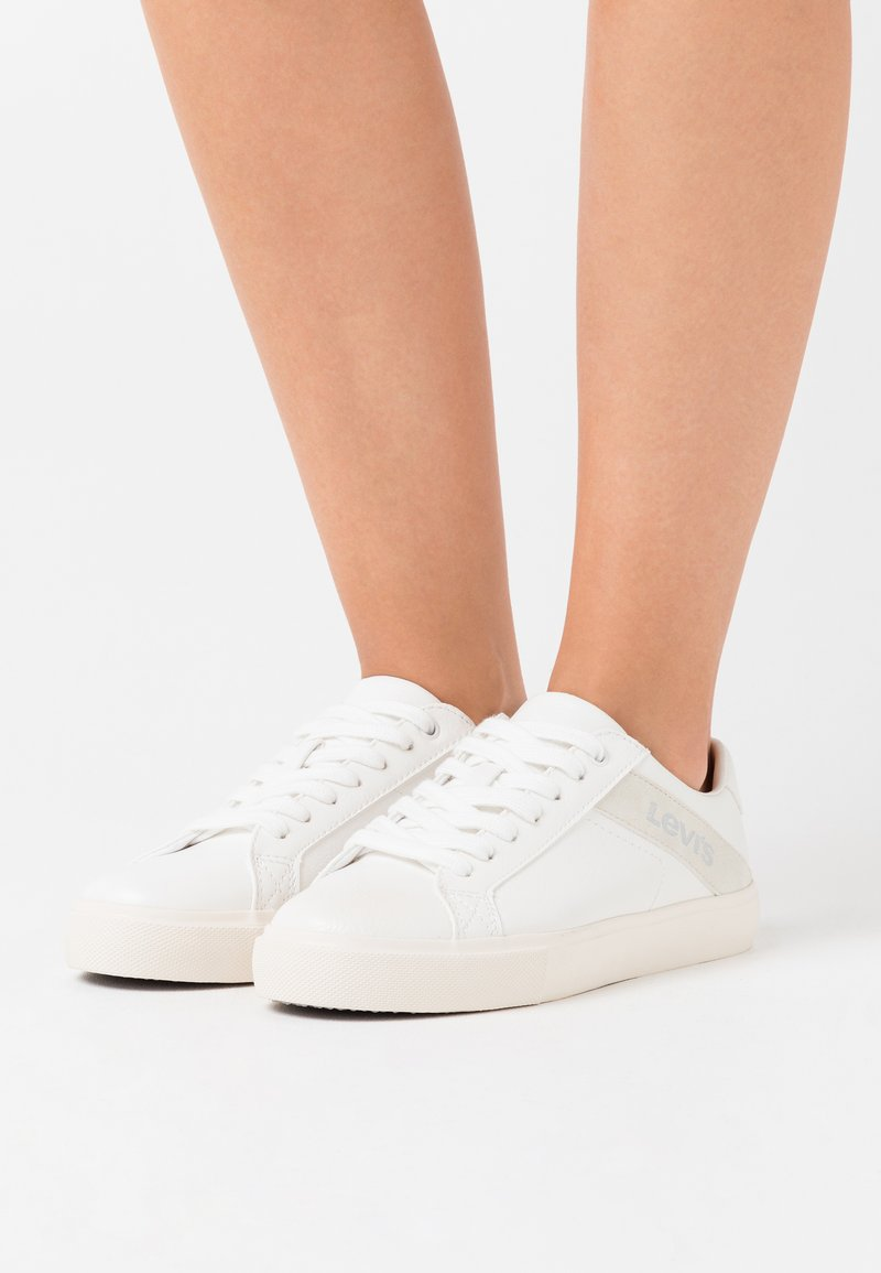 Levi's® - WOODWARD - Trainers - regular white