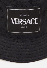 Versace - BUCKET HAT UNISEX - Hat - nero - 3