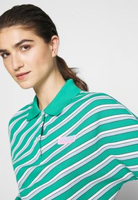 Lacoste LIVE - Polo shirt - greenfinch/multicolor - 4