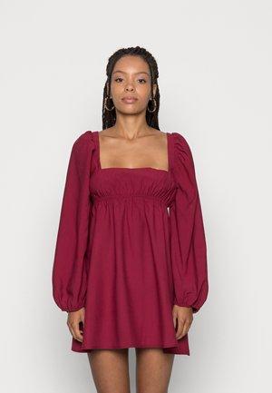 ALESSANDRA DRESS PUFF SLEEVES WAIST TIE BACK DRESS - Day dress - berry
