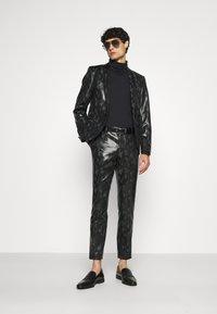 Twisted Tailor - FLEETWOOD SUIT - Suit - black - 1