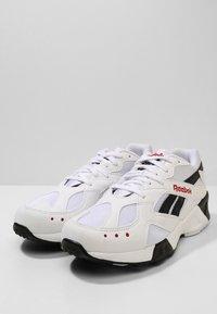 Reebok Classic - AZTREK - Sneakersy niskie - white/black/excellent - 2