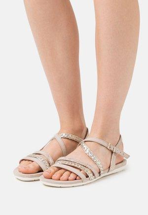 Sandals - dune comb