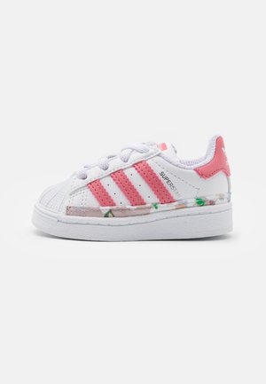 SUPERSTAR UNISEX - Sneaker low - footwear white/hazy rose
