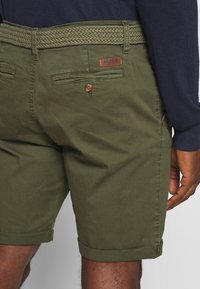 INDICODE JEANS - CONER - Shorts - army - 3