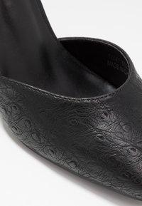 Lost Ink Wide Fit - SQUARE TOE STRAP SHOE - Zapatos altos - black - 2