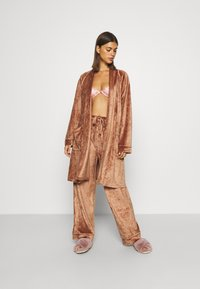Underprotection - SOPHIE ROBE - Dressing gown - clay - 1