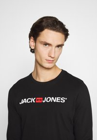 Jack & Jones - JOR30HISTORY CREW NECK - Long sleeved top - black/white - 3