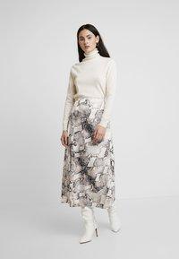 Gestuz - BARAN SKIRT - A-line skirt - light grey/black - 1