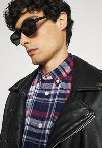 Selected Homme - SLHREGZANE SHIRT CHECK  - Skjorta - brick red - 3