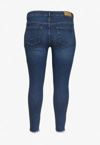 ONLY Carmakoma - CARWILLY LIFE DETROY - Jeans Skinny Fit - light blue denim - 1