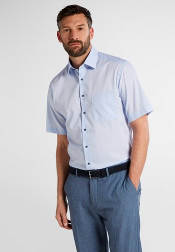 MODERN FIT - Shirt - light blue