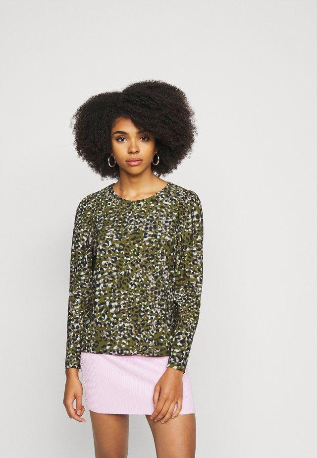 VMBRITT TOP - Long sleeved top - fir green/britt