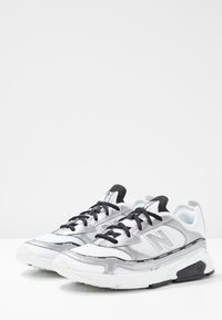 New Balance - X-RACER  - Trainers - white/grey - 6