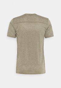 Salomon - EXPLORE TEE - T-shirt basique - olive night/heather - 1