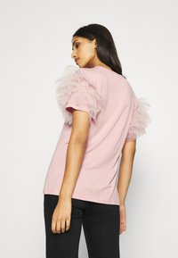 New Look - PERFUME RUFFLE - T-shirt z nadrukiem - light pink - 2