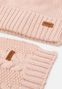 Barbour - CABLE BEANIE SCARF SET - Scarf - pink - 6