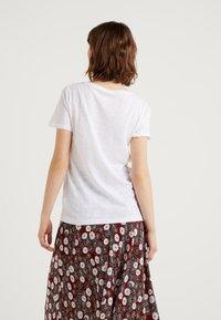 J.CREW - VINTAGE CREWNECK TEE - Basic T-shirt - white - 2